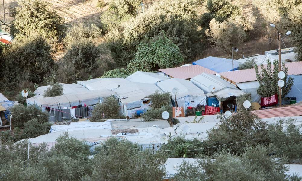 50 syrische Flüchtlingsfamilien haben auf diesem Ackerland in Ketermaya Zuflucht gefunden.