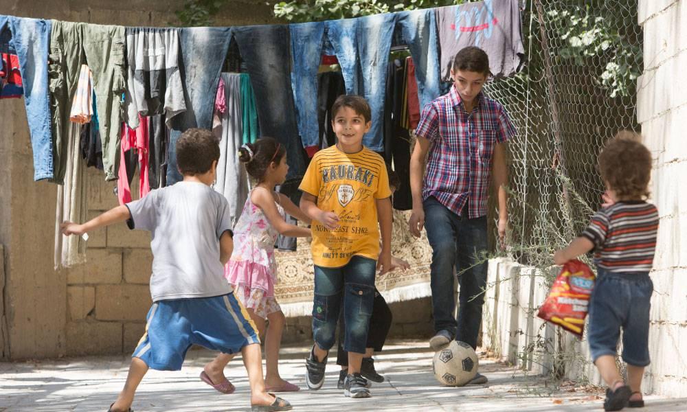 Am Anfang haben die Jungen viel geweint und fühlten sich sehr fremd. Inzwischen haben Ezzat und Jawdat neue Freunde gefunden.