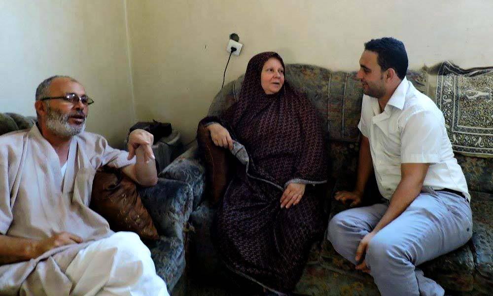 Zu meiner Religion gehört es auch, mich gut um meine Eltern zu kümmern. Ich mag es, sie jeden Nachmittag zu besuchen, zu sehen wie es ihnen geht und sie zu unterstützen.